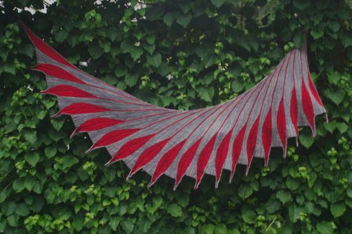 Climbing Hydrangeas - the bird perch-able shawl model.