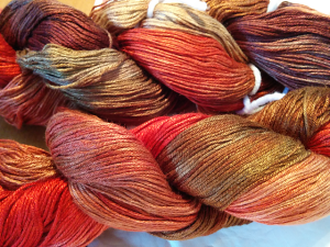 Its like they went out on an autumn drive, waves the yarn in the air and voila!
